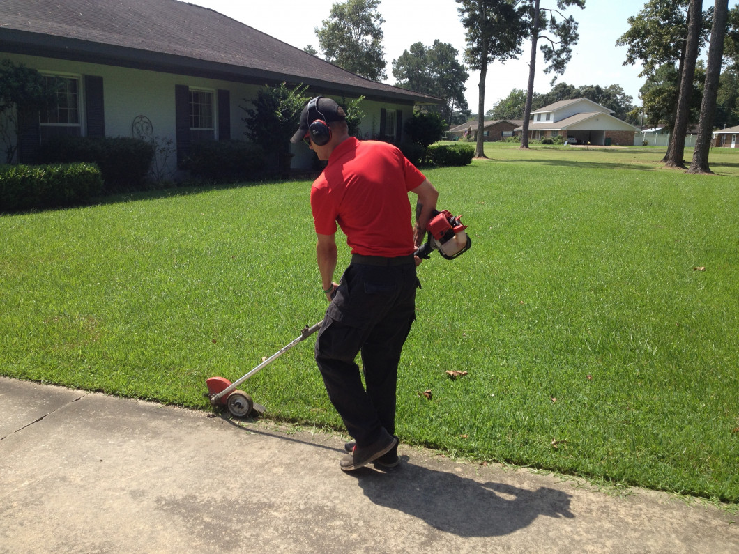 Lawn edging crowley lafayette la just the basics lawncare for Edging your yard